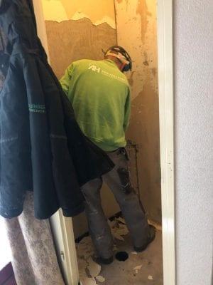 slopen van toilet - badkamer
